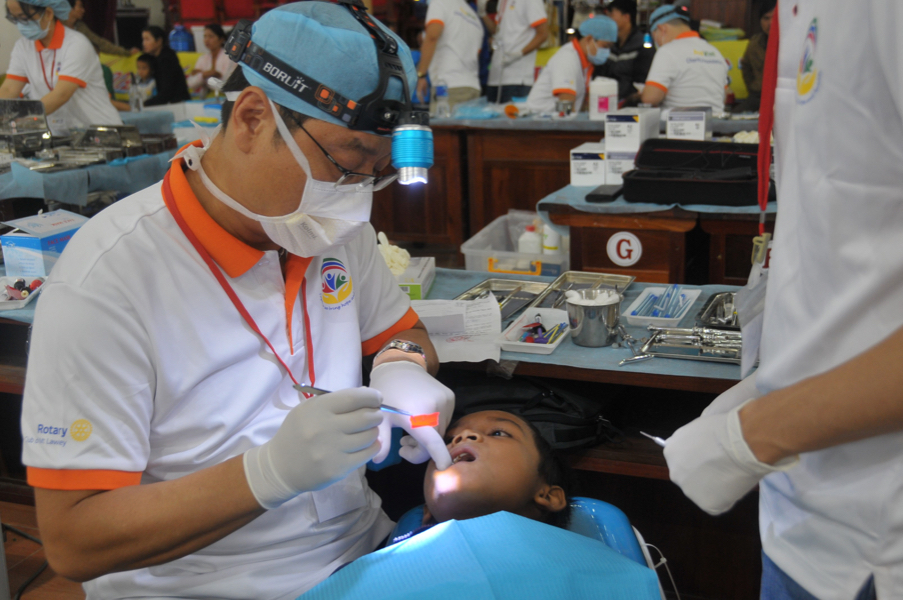 kontum-Dental team (2)